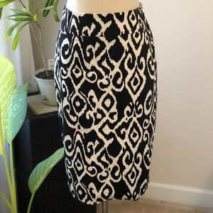 White House Black Market Patterned Pencil Skirt
